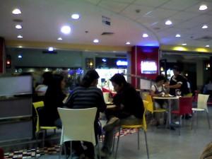 Intérieur du Burger King, à l'intérieur du centre commercial (cf billet sur le centre commercial).